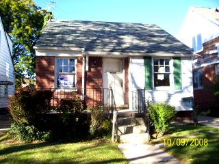 Investment House Single Family in Detroit, MI 48205