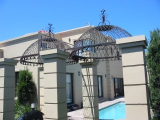 Exclusive Villa with Ocean Scenic Views in Western Cape Town, South Africa